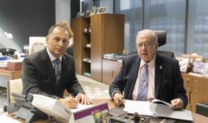 AMA Vida firma una póliza colectiva con los técnicos sanitarios valencianos