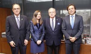 AMA Vida y el Colegio de Farmacéuticos de Pontevedra firman nueva póliza