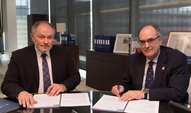 AMA y los farmacéuticos de Ourense firman una póliza colectiva