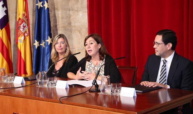 Amancio Ortega dona casi 5 millones al Ib-Salut contra el cáncer de mama