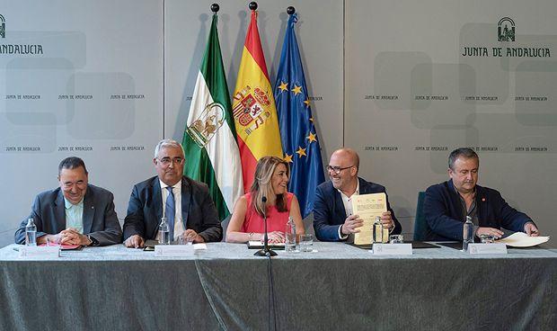 Andalucía aprueba la jornada de 35 horas 'reales' para sus sanitarios