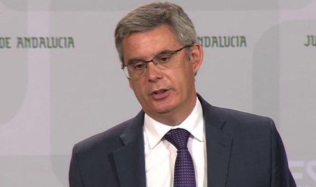 Andalucía 'ignora' al TC y mantiene las 35 horas en Sanidad