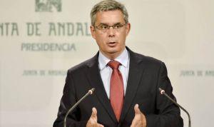 """Andalucía niega """"sobresueldos"""" a directivos sanitarios: """"Son complementos"""""""