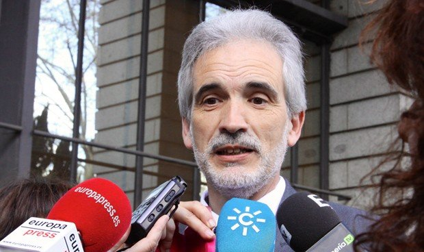 "Andalucía reivindica ser ""transparente"" con las listas de espera quirúrgica"