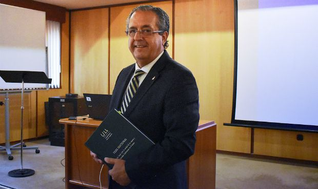Antonio Alarcó culmina su tercera tesis doctoral