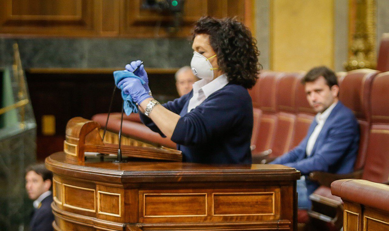 Aplauso del Congreso en el pleno del coronavirus... y de Valentina