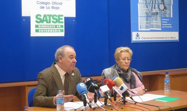 La Rioja se despide de los ATS y recibe a los enfermeros especialistas