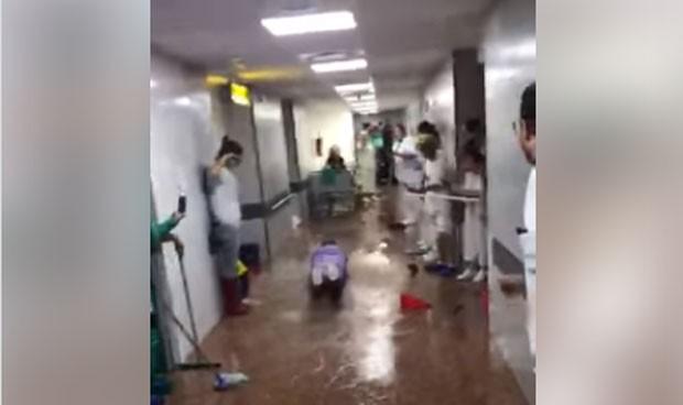 Aprovechan DANA para convertir el hospital en un 'parque acuático'