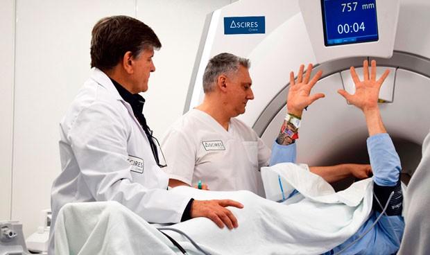 Ascires, pionera en el uso de un 'mapa' cerebral contra el temblor esencial