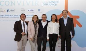 """AstraZeneca se lanza al """"apoyo integral"""" de pacientes con cáncer de pulmón"""