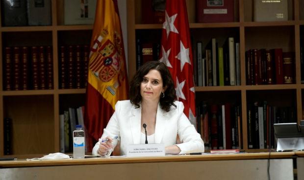 """Ayuso presentará un plan de incentivos para """"retener"""" a médicos en Madrid"""