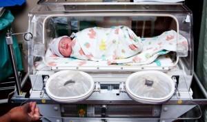 Bajar un 27% el uso de antibióticos en las UCI de niños no altera su salud