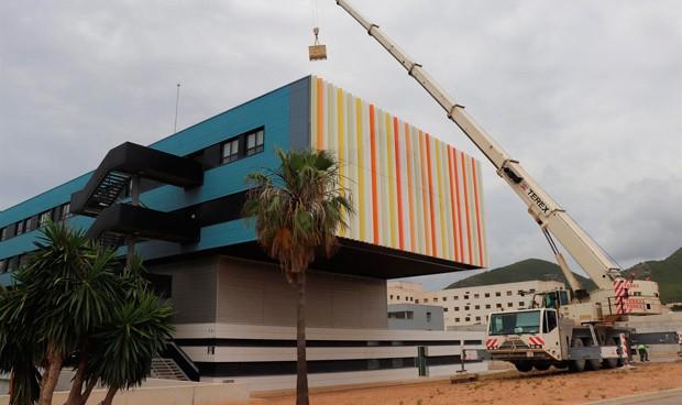 Baleares instala 1.145 paneles solares entre Can Misses y dos centros de AP
