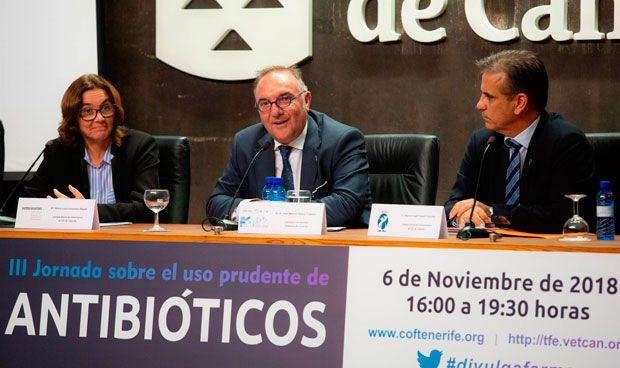 """Baltar: """"Debemos implicarnos ante la resistencia a los antibióticos"""""""