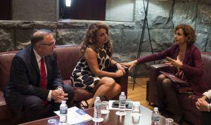 Baltar plantea a Montserrat la necesidad de debatir la megaOPE sanitaria