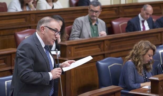 Baltar quiere firmar un pacto por la sanidad en Canarias en septiembre