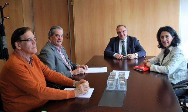 Baltar se reune con los colegios de Médicos y Farmacéuticos en Las Palmas