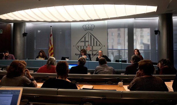 Barcelona da la primera luz verde para crear su 'dentista municipal'