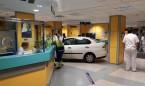 Basurto coloca una mampara en las Urgencias donde se empotró un coche