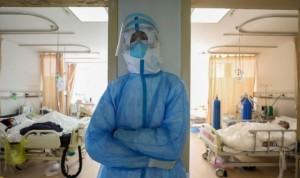 """""""Sin vacaciones y con uniforme propio"""": así funcionan las bolsas enfermeras"""