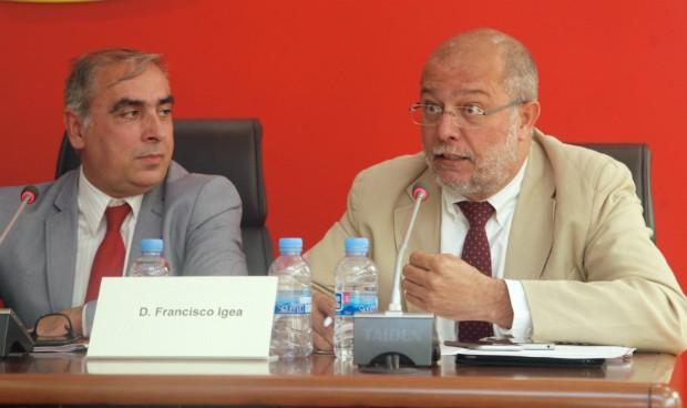 Cabreo e indiferencia: así reciben a Báñez los potenciales 'socios' del PP