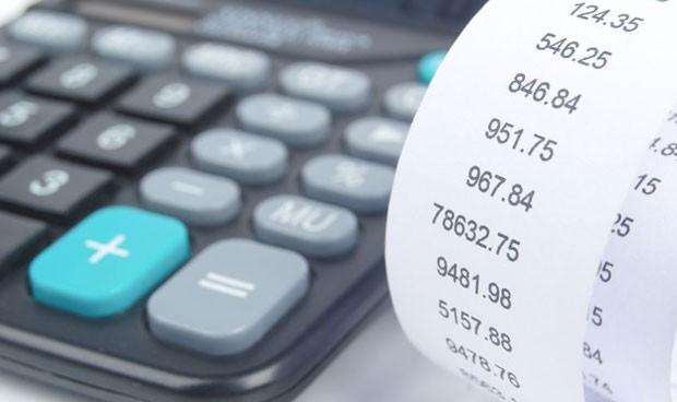 Cada sanitario le cuesta 345 euros anuales más a su pagador