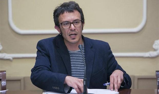Cádiz envía operarios para apuntalar la sanidad pública