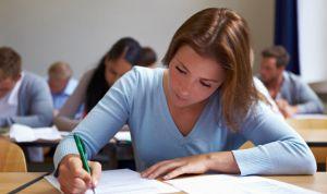 Sólo 1 de cada 9 enfermeros pasan el examen de inglés para el NHS