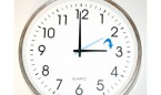 Cambio de hora 2017: ¿los sanitarios que trabajan cobran la hora de menos?