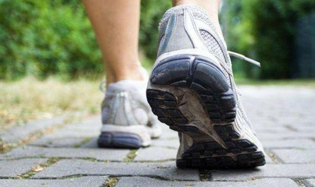Caminar ayuda a diferenciar entre dos tipos de trastornos cerebrales