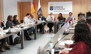 Canarias acuerda aumentar las plazas de médicos y auxiliares de Enfermería