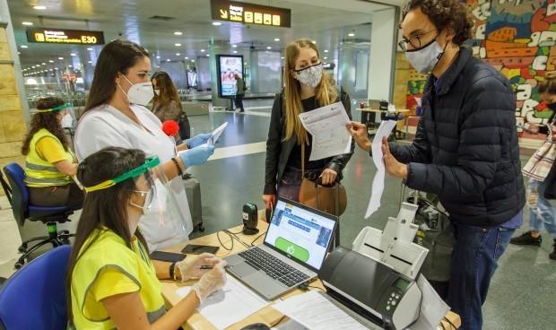 Canarias elimina los test Covid para viajeros nacionales