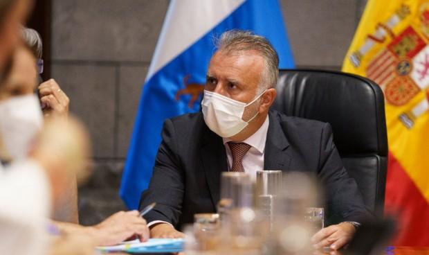 Canarias impedirá trabajar a los no vacunados o sin test negativo de Covid