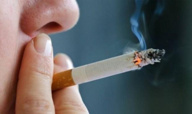 El humo de segunda mano duplica el riesgo de cáncer oral