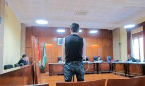 Cárcel de 2 años por abusar de una menor durante un tratamiento antipiojos