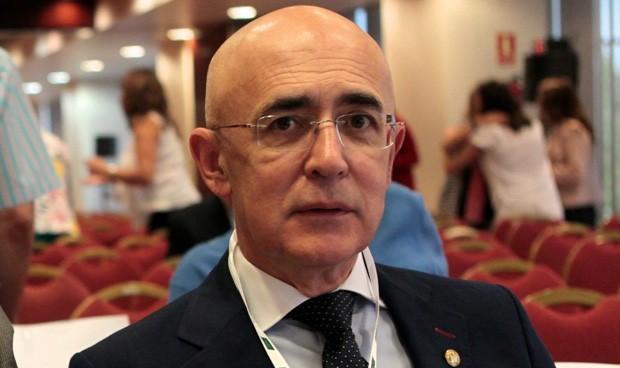 Carlos Arjona, reelegido presidente del Colegio de Médicos de Cáceres