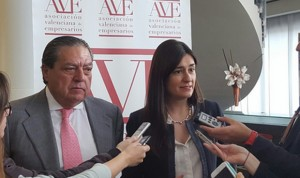 """Carmen Montón: """"La colaboración público-privada es necesaria"""""""