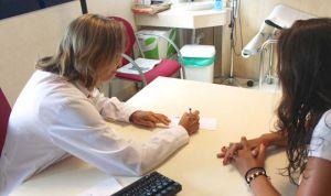 """Carta de una médico a sus pacientes: """"No podemos hablar como nos gustaría"""""""