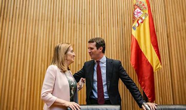 Casado anuncia que Ana Pastor será ministra de nuevo si él gobierna