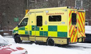 Casi 17.000 pacientes atrapados en ambulancias por el colapso hospitalario