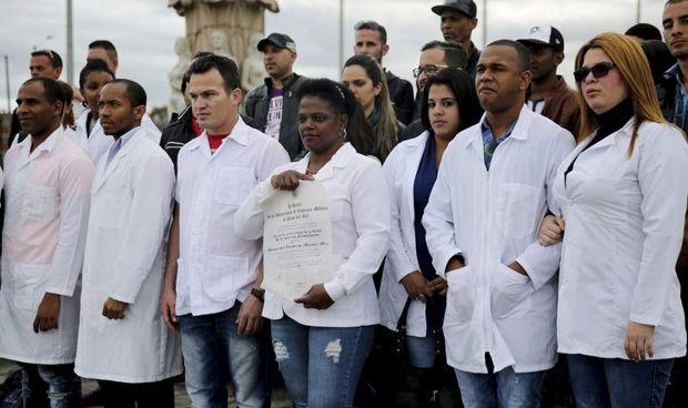 Casi 900 sanitarios extranjeros menos pese al aumento de autónomos