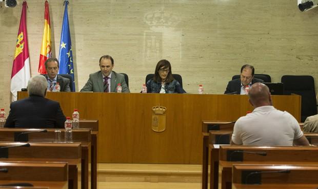 """Castilla-La Mancha seguirá derivando, pero """"en su justa medida"""""""