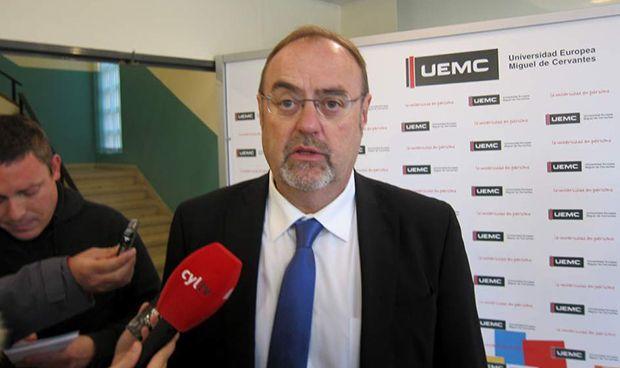 Castilla y León regulará la figura de profesor contratado por un hospital