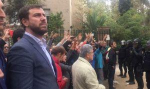 Cataluña aprovechó el caos del 1-O para recortar derechos a sus sanitarios