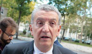 Celaya acerca la política a los aragoneses
