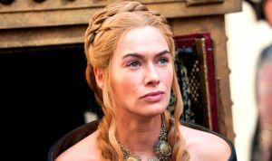 """Cersei de Juego de Tronos defiende la """"jodida"""" mejor sanidad del mundo"""