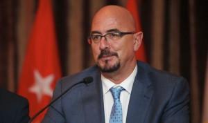 César Pascual, ex del Valdecilla y del Sermas, número 7 del PP cántabro