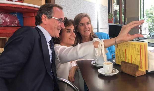 Cinco exministros, en su 'salsa' tras su vuelta a casa
