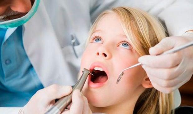 Cinco países donde un dentista español puede llegar a triplicar su salario