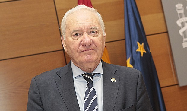 Cinco sueldos de Pérez Raya con cargo a la Enfermería, en el juzgado